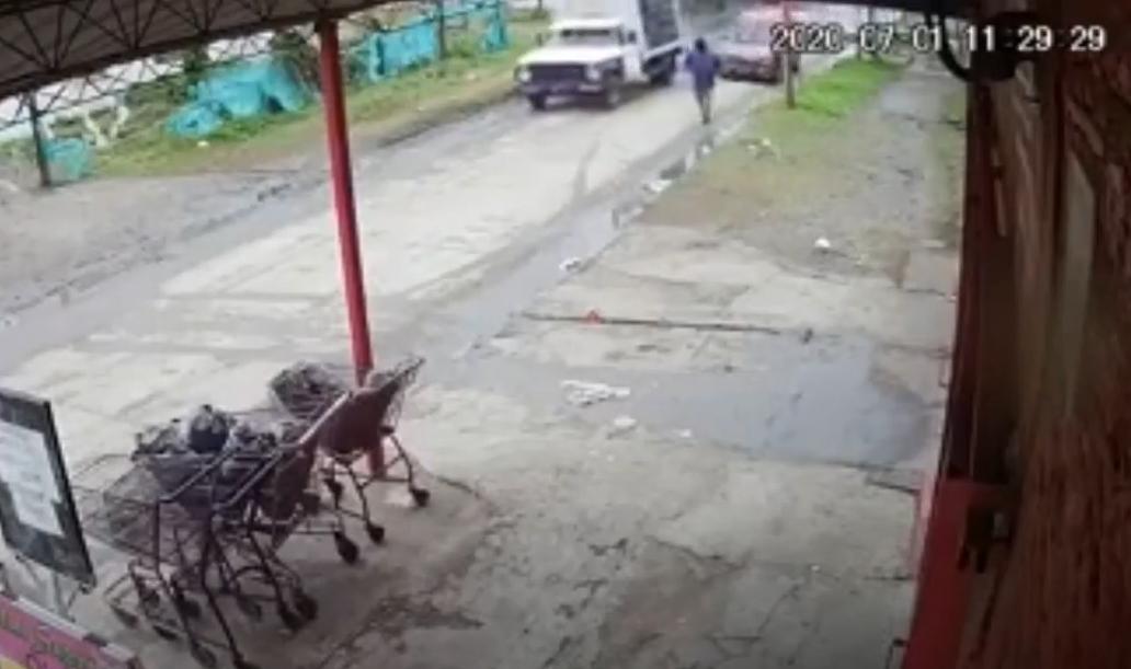 Ladrones atropellan a hombre en Argentina