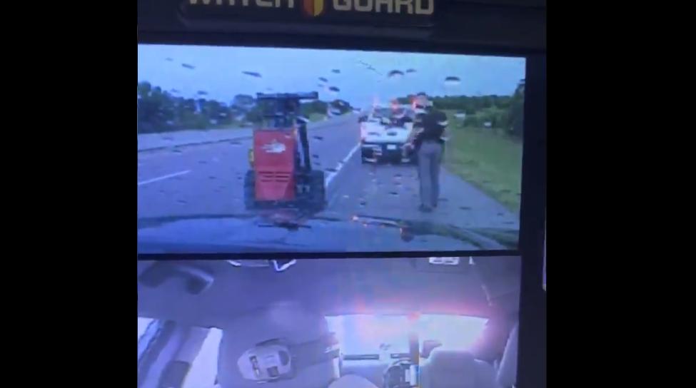 Rayo casi golpea a policía en Oklahoma