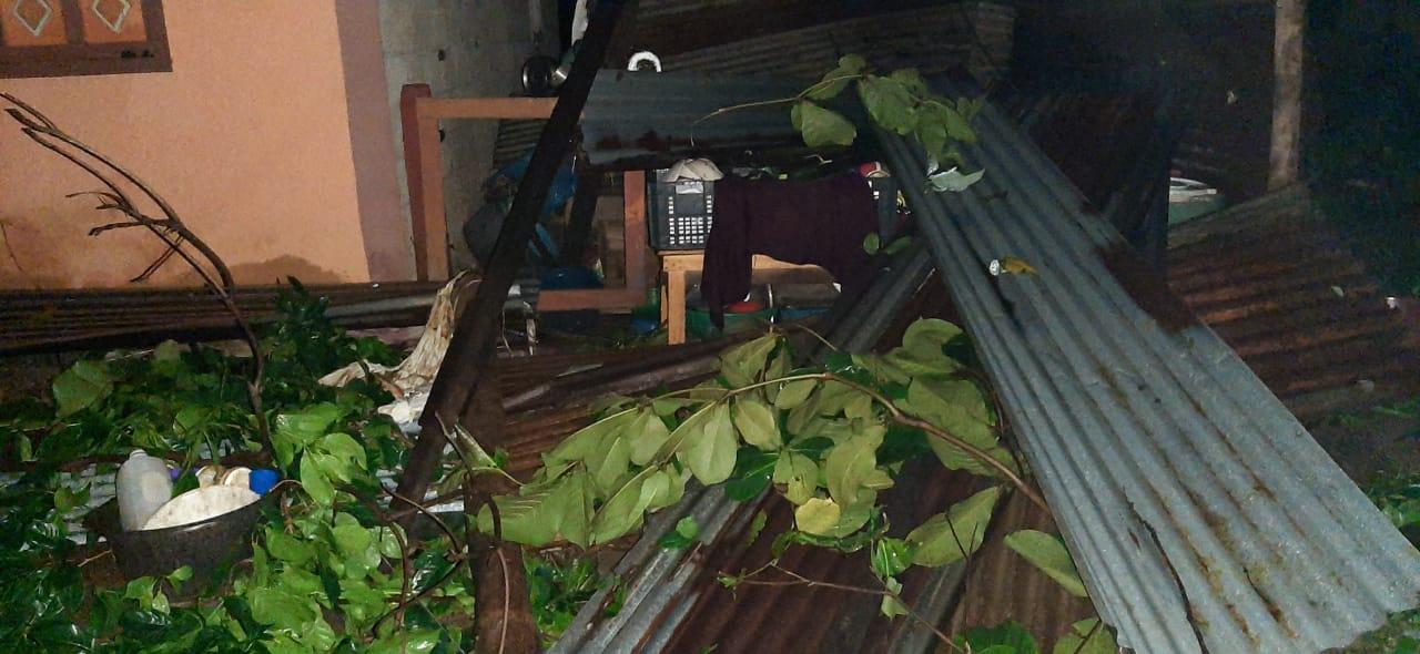vivienda con daños por lluvias en Suchitepéquez