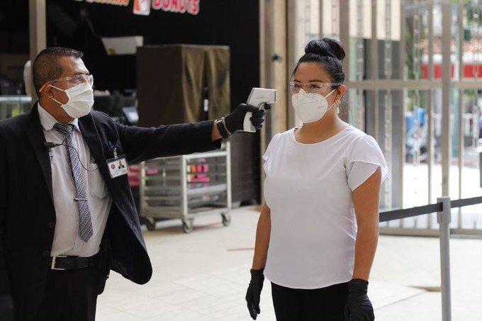 Autoridades de Salud imponen restricciones para evitar el contagio del COVID-19