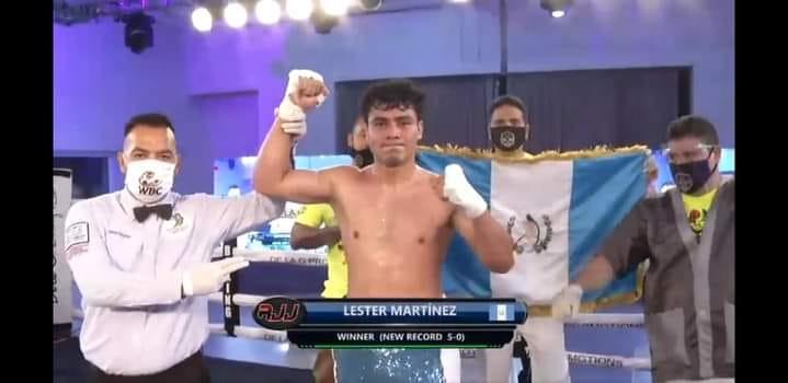 Lester Martínez vence a Abraham Hernández