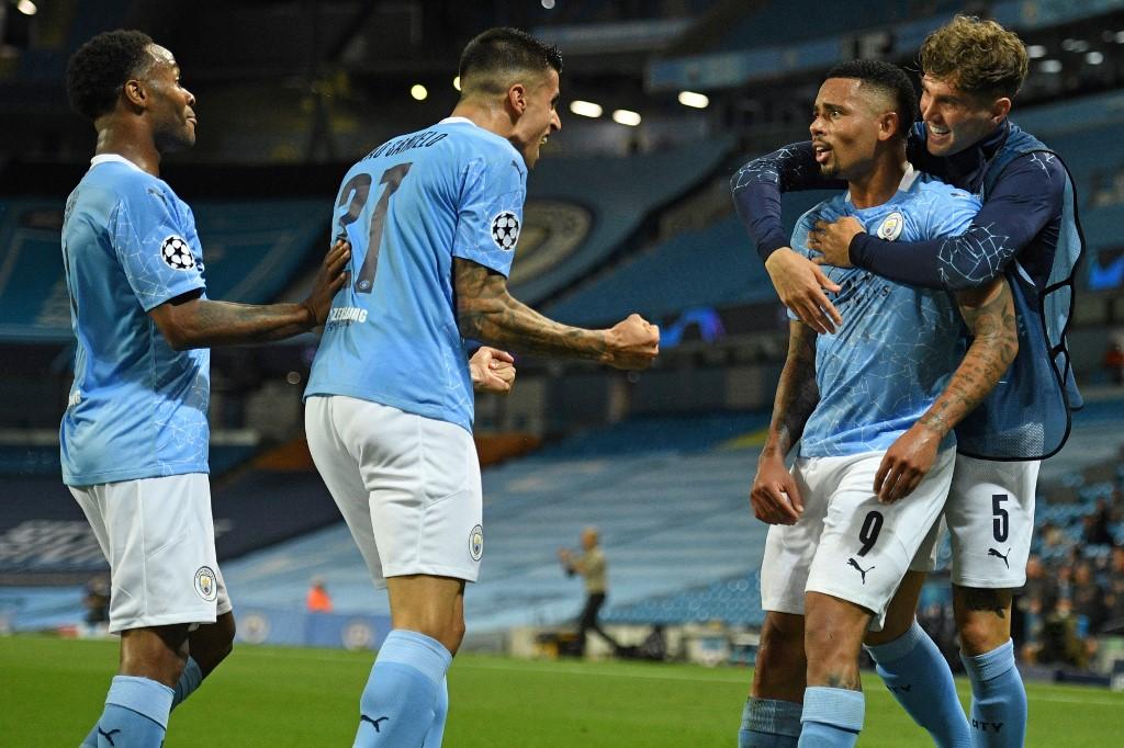 Manchester City avanza a los cuartos