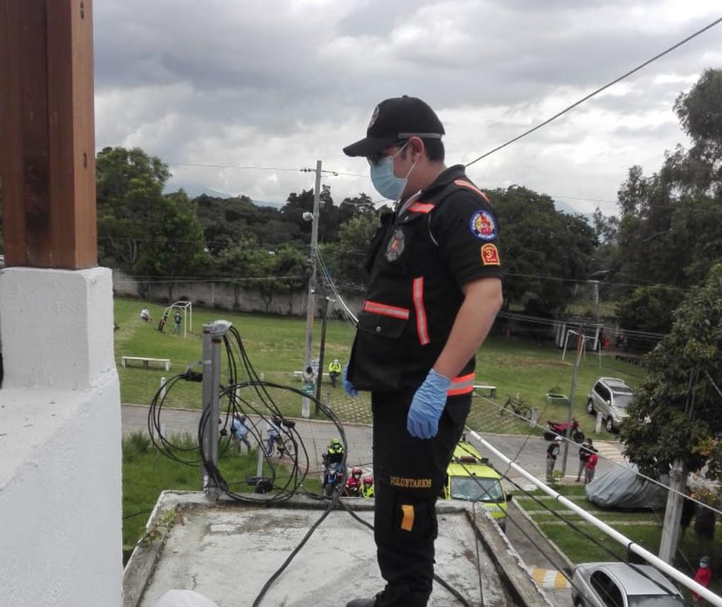 hermanos mueren por tocar cables de alta tensión en Villa Canales