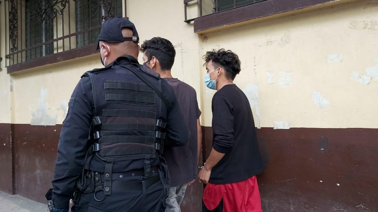 ASALTANTES capturados en Escuintla