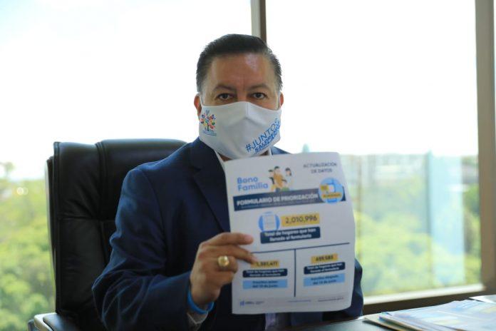 ministro de Desarrollo, Raúl Romero, habla del Bono Familia