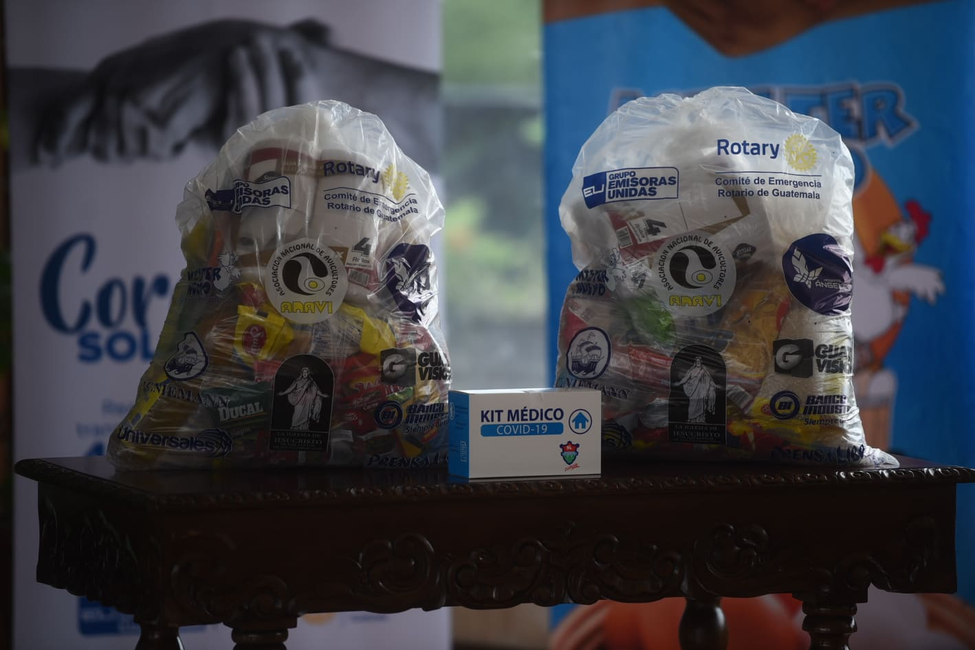 campaña Corazones Solidarios entrega alimentos a afectados por Covid-19