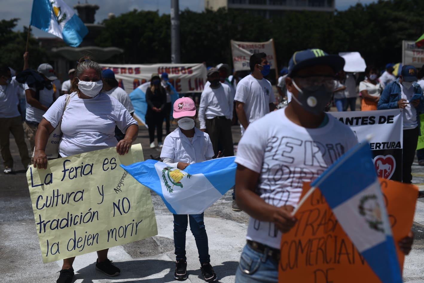 manifestación de trabajadores de ferias para pedir reactivación tras Covid-19
