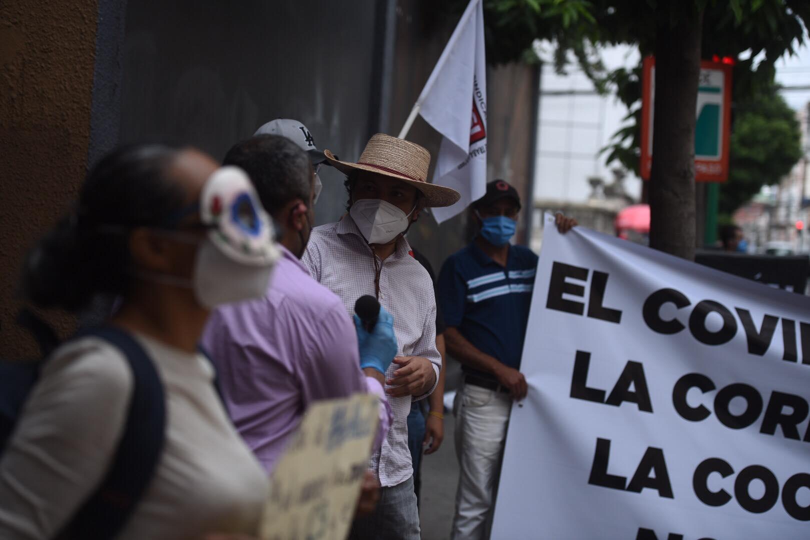 manifestación frente al Congreso para que se elijan Cortes