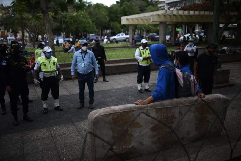 Varias personas fueron desalojadas del Parque Central