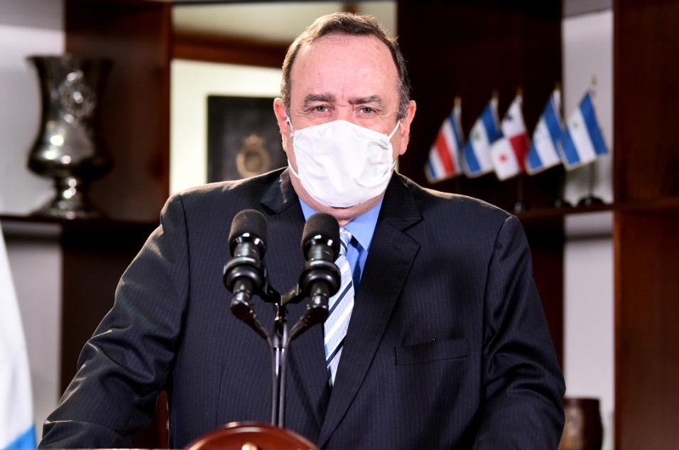 presidente Alejandro Giammattei en cadena nacional