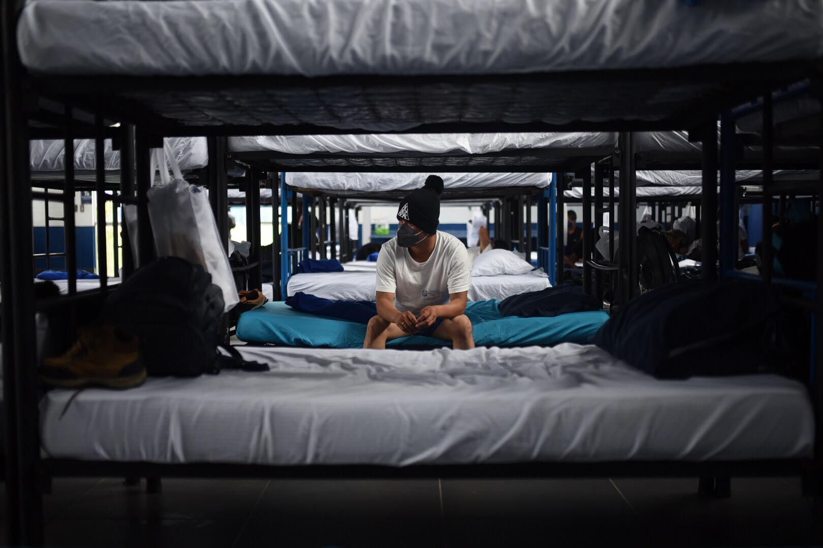 presidente Alejandro Giammattei visita albergue para migrantes retornados