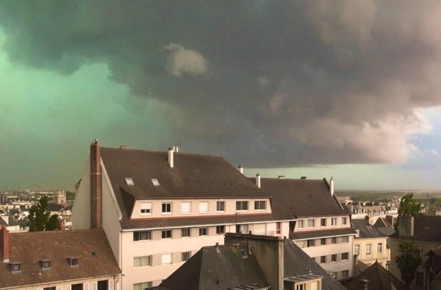 Cielo verde en Francia
