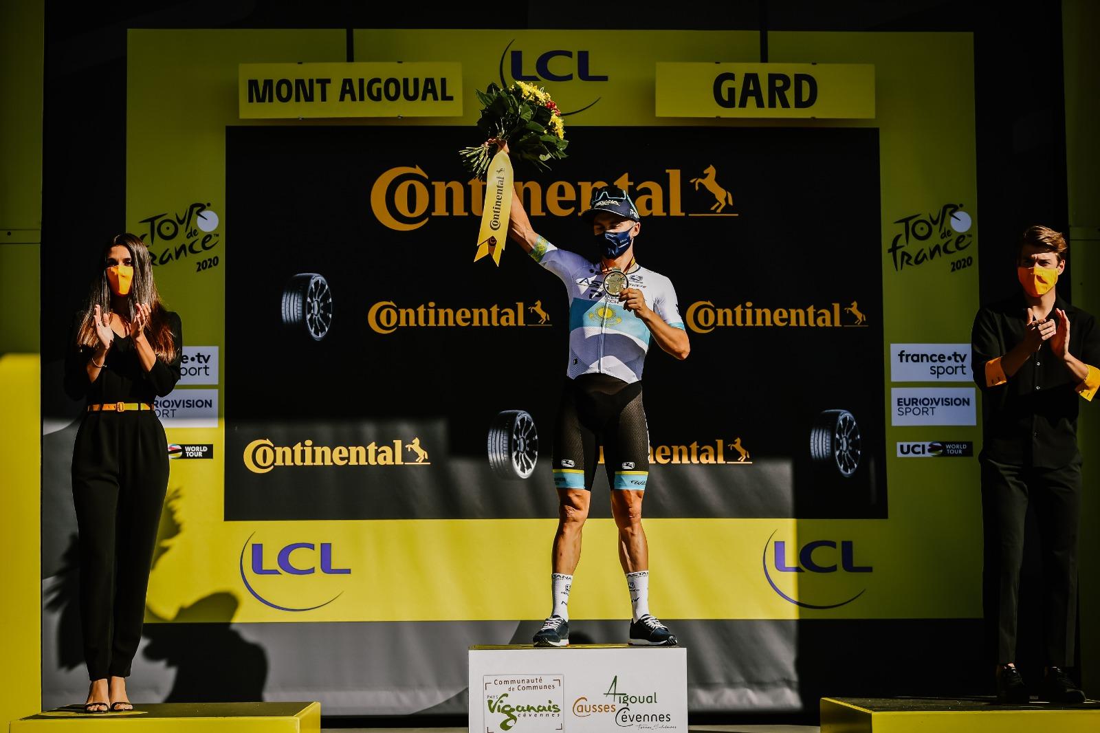 Alexey Lutsenko gana la sexta etapa del Tour de Francia