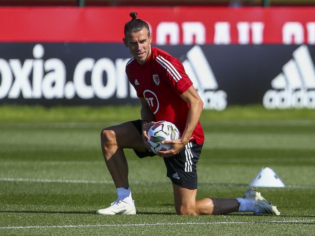 Bale acusa al Madrid de no dejarlo salir a otro equipo