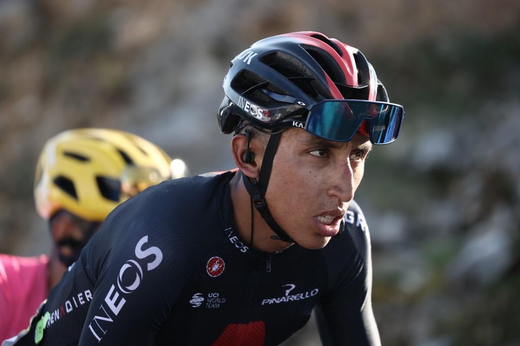 Egan Bernal abandona la carrera de Francia