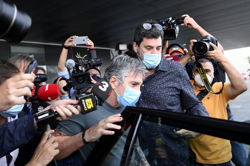 Jorge Messi llega a Barcelona para negociar la salida de su hijo