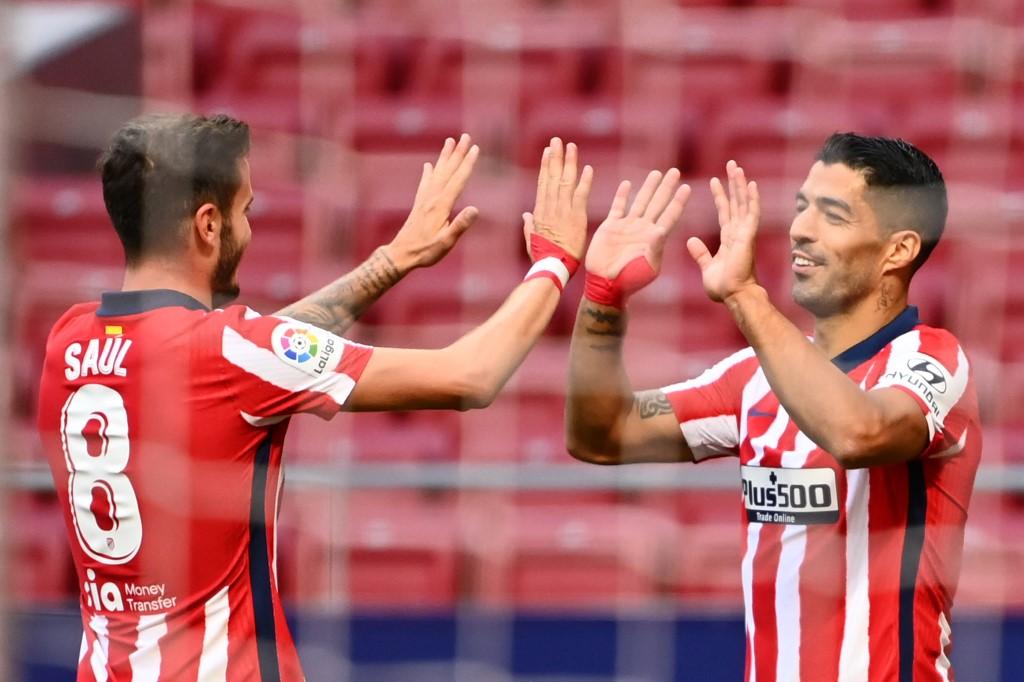 Luis Suárez anota dos goles