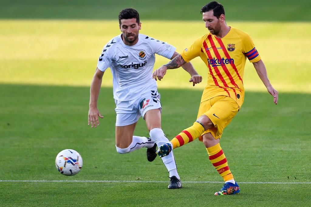 Messi vuelve a jugar con el Barcelona
