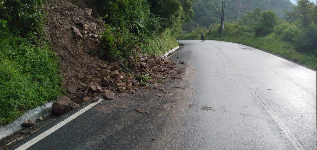 derrumbe en ruta a Sololá