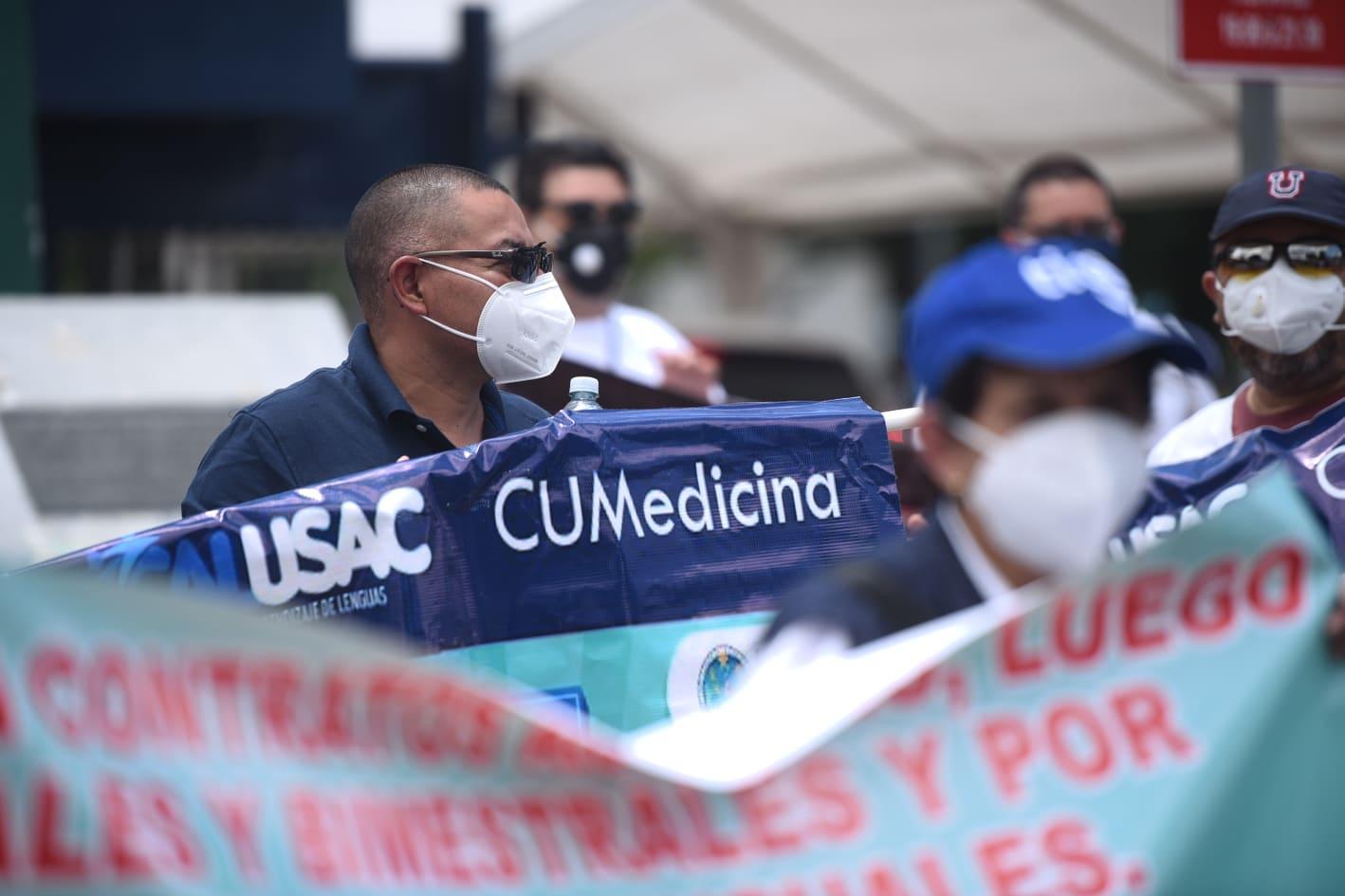 Trabajadores del Calusac exigen pago de salarios