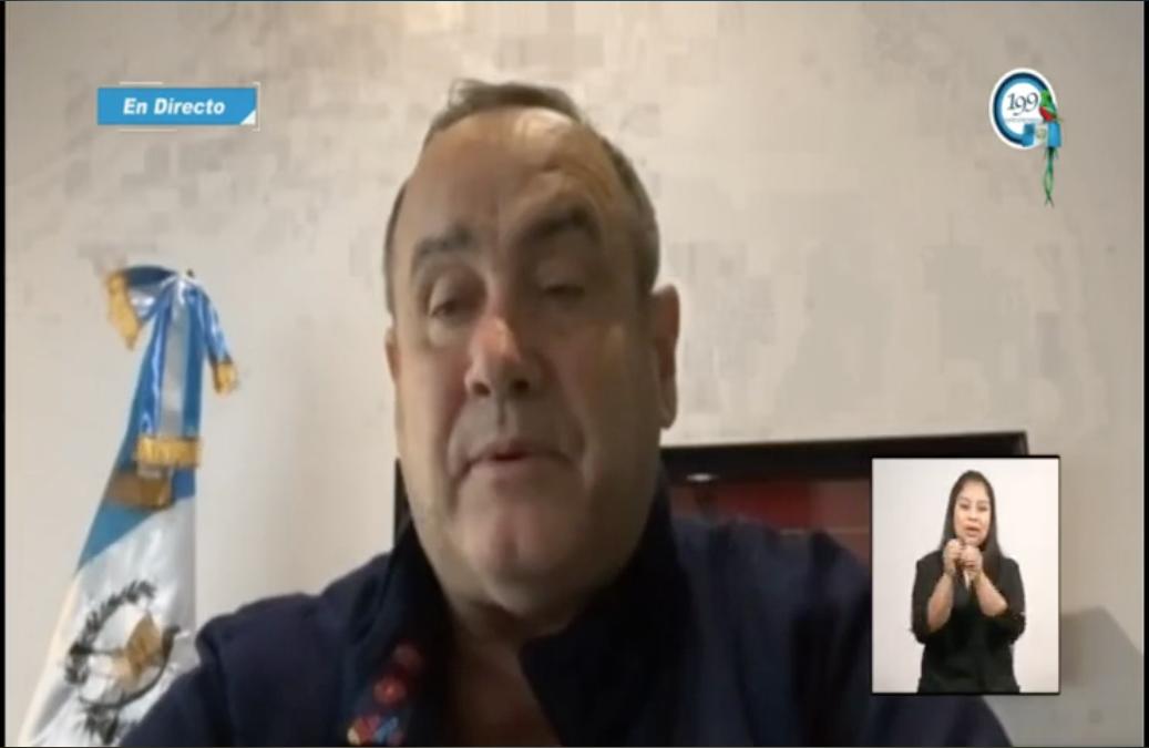 presidente Alejandro Giammattei explica su estado de salud