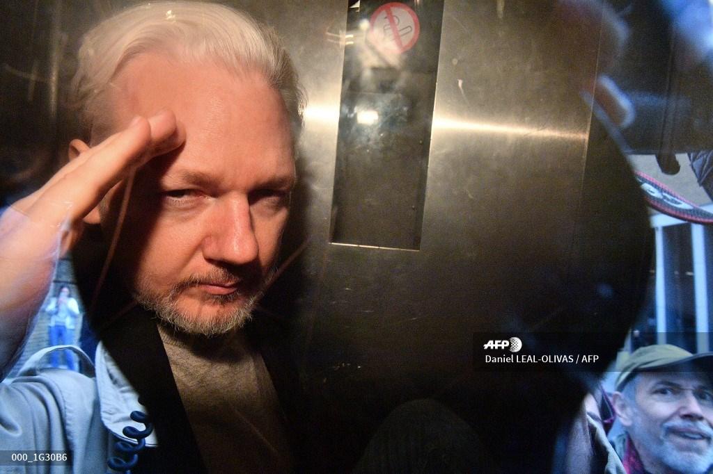 Julian Assange detenido