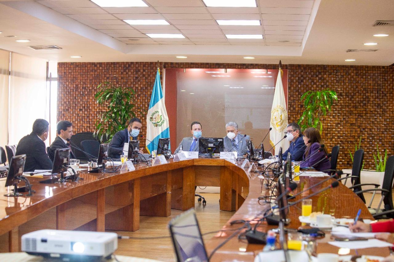 Comisión de postulación para integrar el directorio de la SAT.