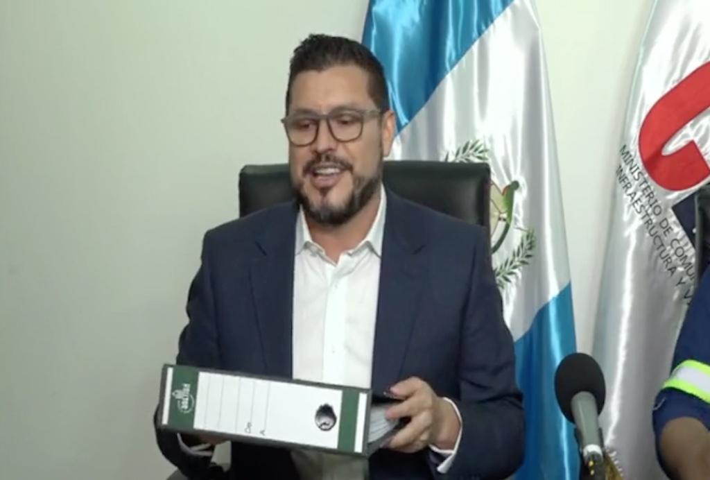 Josué Edmundo Lemus, ministro de Comunicaciones.