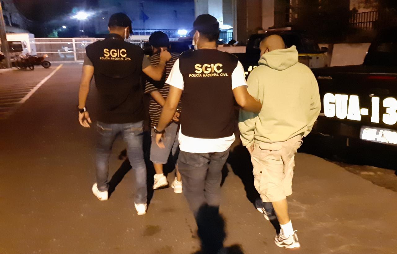La PNC captura a Elias Obed Setino Reyes y a un menor de edad.