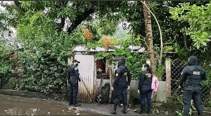 allanamientos en Villa Nueva por muerte de agente de PNC