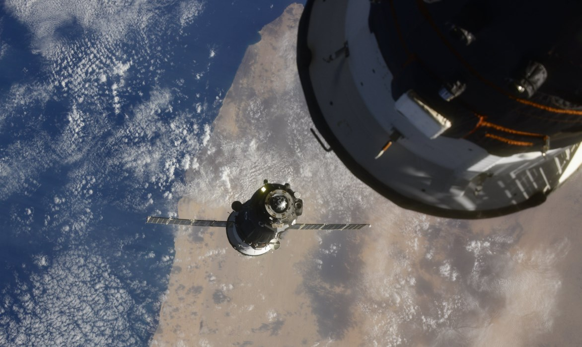 Nave Soyuz MS-17 se acopla a la EEI