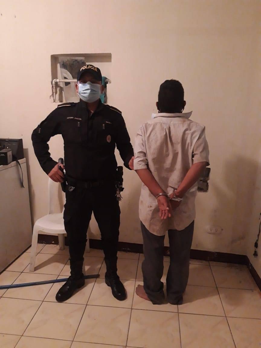 padre intenta quemar a su hija en Huehuetenango