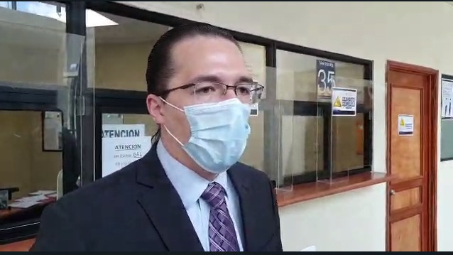 Diputado Felipe Alejos presenta denuncia contra el Mides en la Contraloría.
