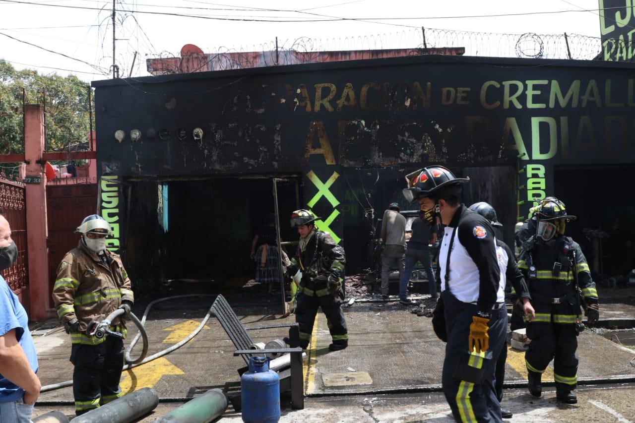 incendio en taller de zona 3