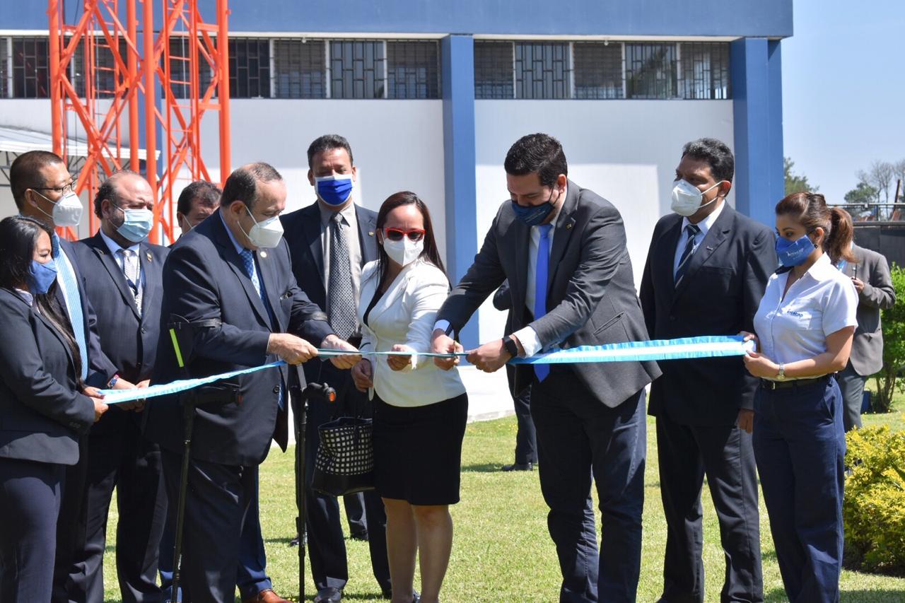 Huawei dona equipo e instalaciones al Intecap