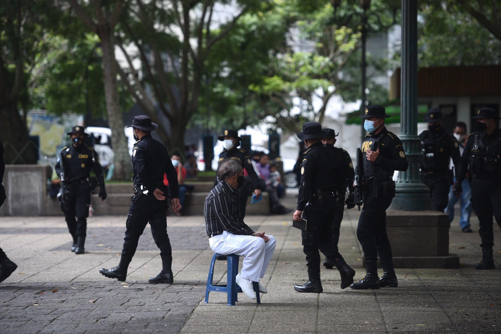 operativos en el parque central para expulsar a centroamericanos