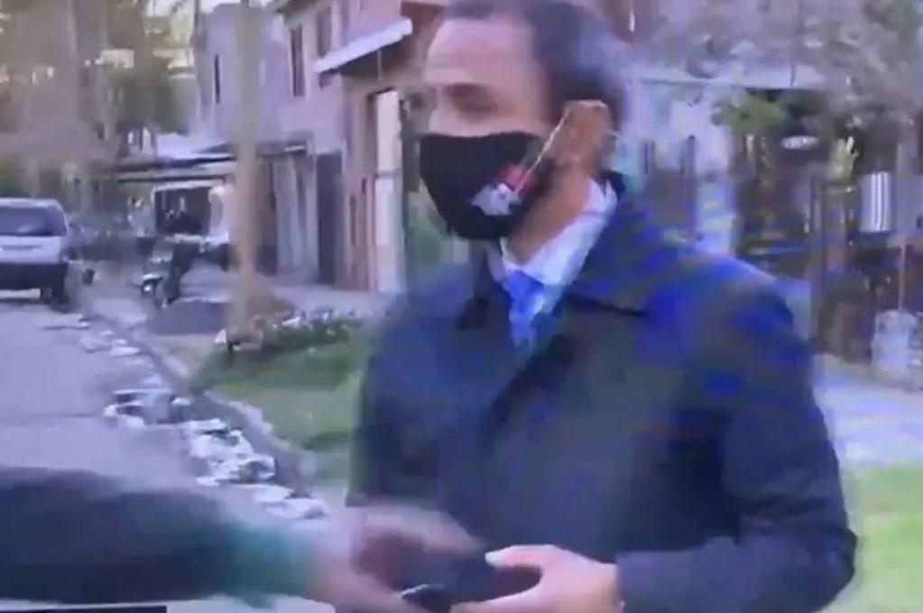 Asaltan a periodista momentos antes de transmitir en vivo