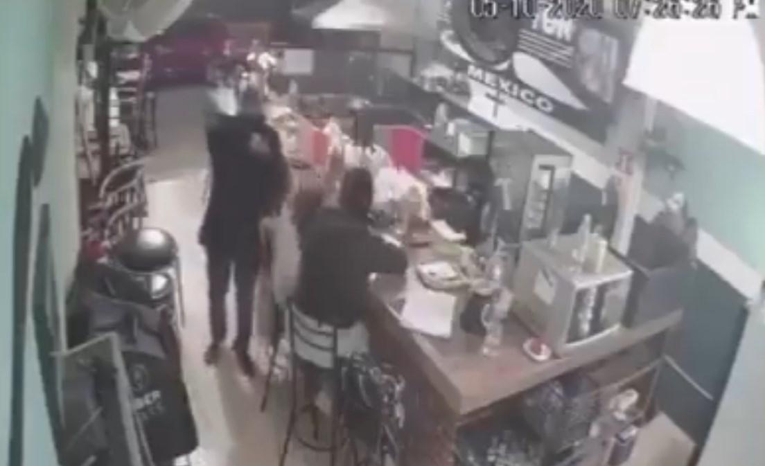 Asalto a cafetería en el Estado de México
