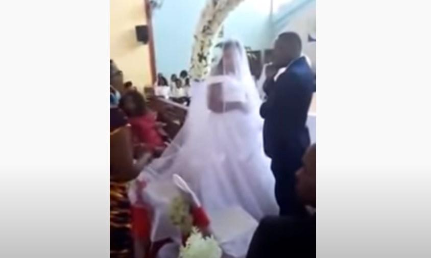 Mujer descubre a su esposo casándose con otra mujer