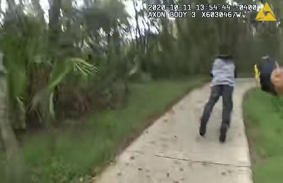 Policía es apuñalado en el cuello al intentar detener a un sospechoso en Florida