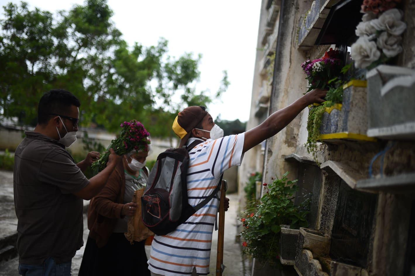 visita a cementerios por Día de los Santos - Covid-19