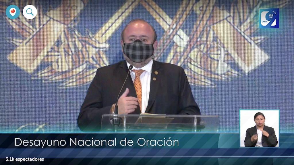 Antonio Malouf, ministro de Economía, en el desayuno nacional de oración.