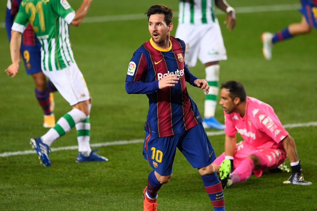 Barcelona golea al Betis con doblete de Messi