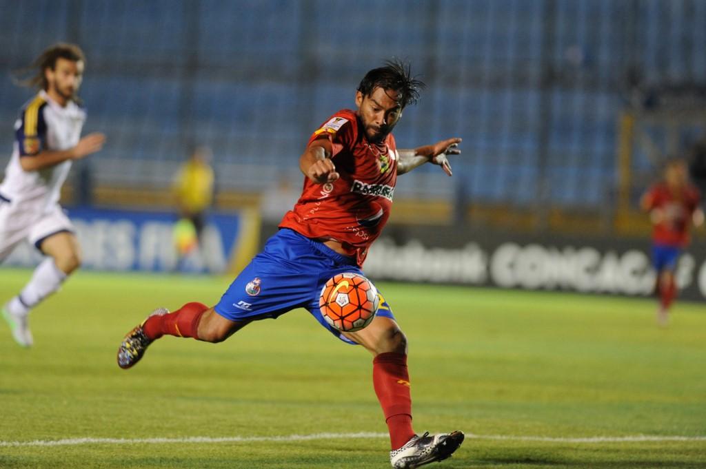 Carlos Ruiz recuerda sus inicios como futbolista