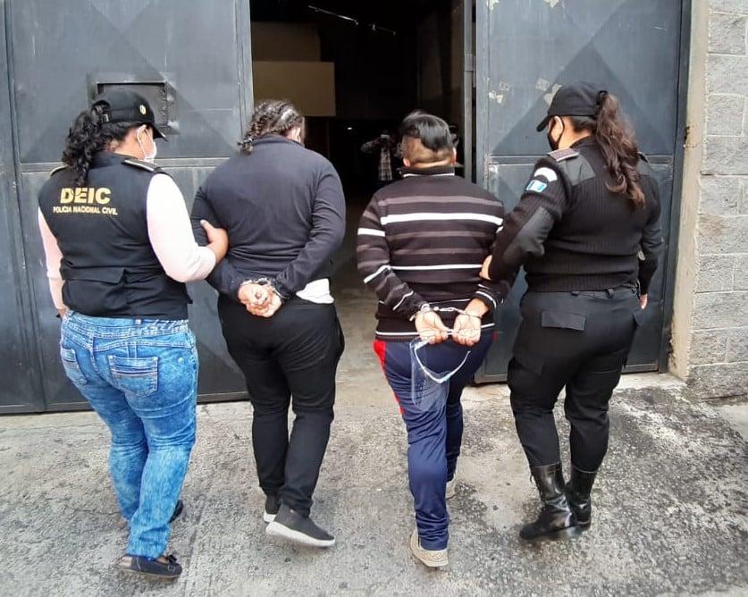 Detienen a mujeres señaladas de trata de personas en zona 18