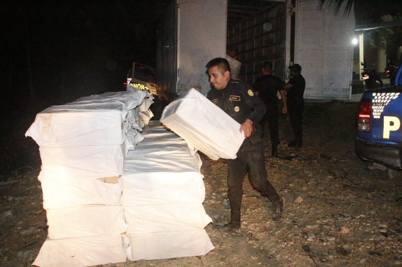 cigarrillos de contrabando decomisados en Petén