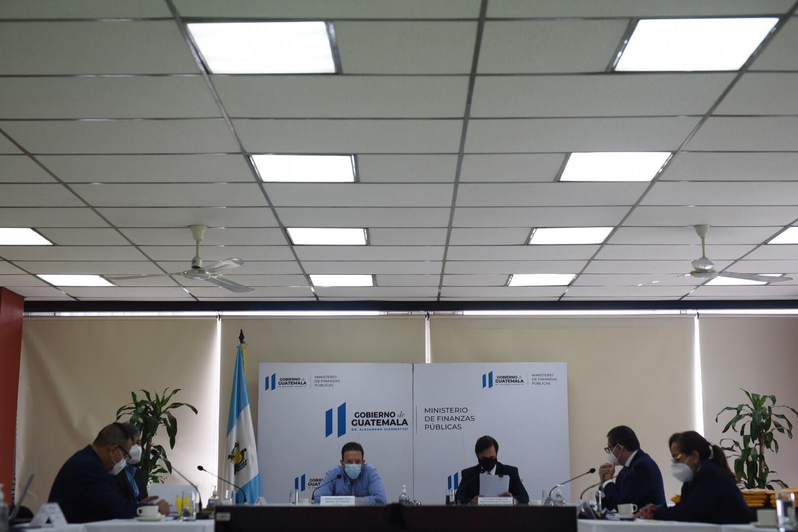 reunión de la comisión de postulación del Directorio de la SAT