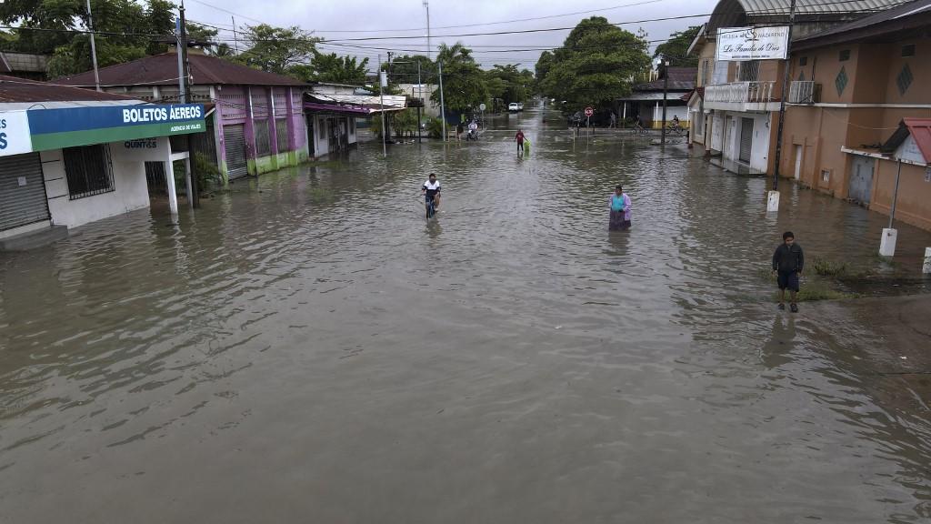 EE. UU. incrementa ayuda humanitaria para Guatemala por Eta e Iota.