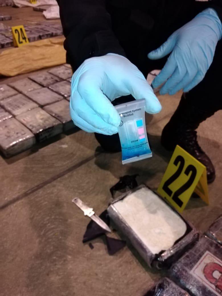 localizan 1.5 toneladas de cocaína en avioneta en Petén