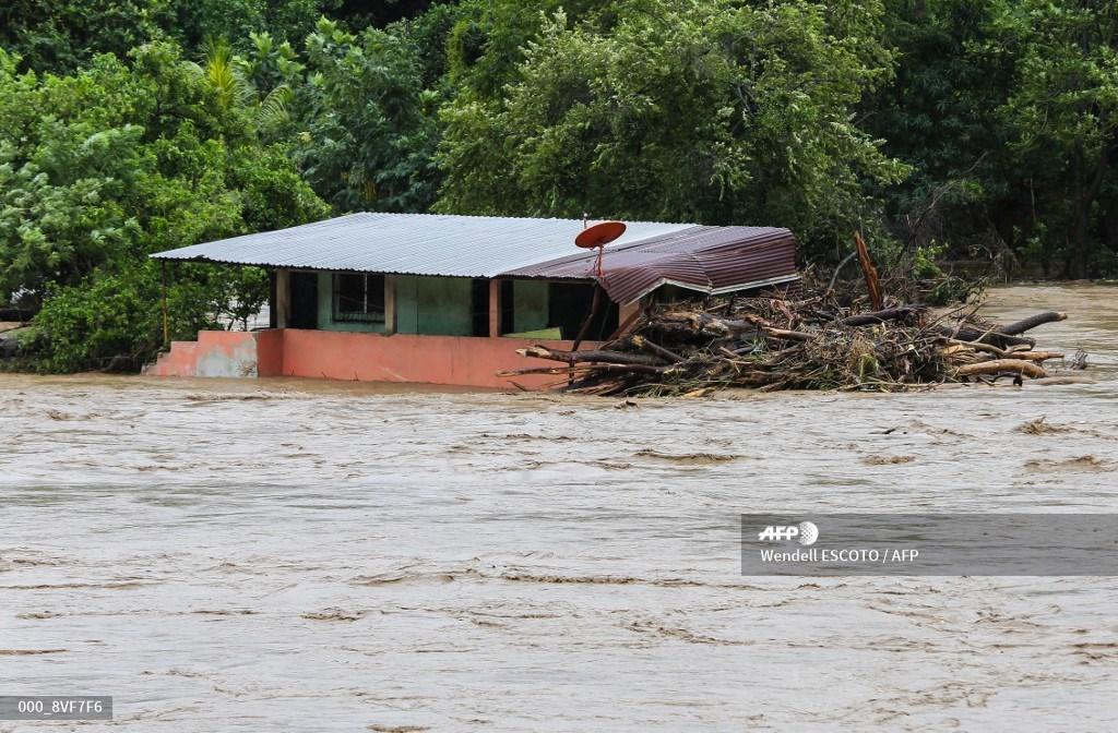 Iota provoca inundaciones en Honduras